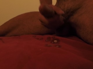 HOT GUY STROKING COCK CUMS IN 2 MINUTES