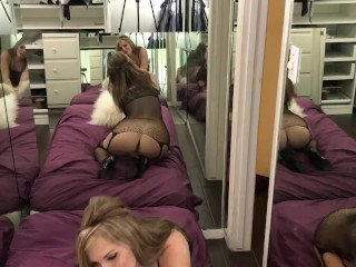 Stocking heels and pussy