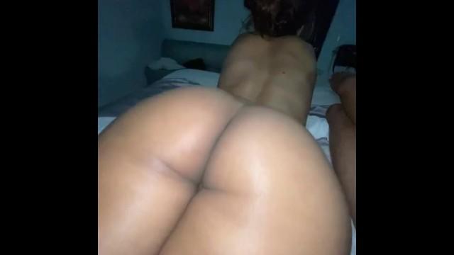 Milf Shakes Her Fat Latina Ass 17