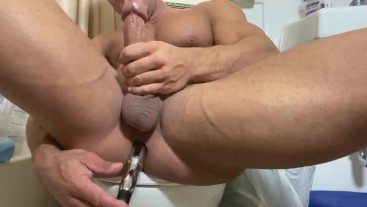 Sean Costin Muscle Ass with Vibranting Dildo and Cumshot