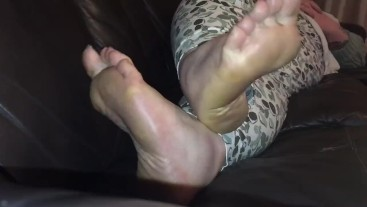 Foot Fetish Skype calls available again! £35 GBP (UK) email to book!