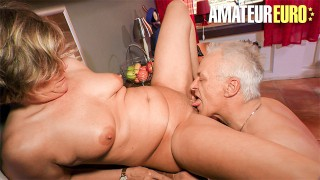 HausfrauFicken - Mature German Housewife Intense Pussy Fuck With Horny Neighbor - AMATEUREURO