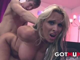 Got mum huge tits halston bang him roughtly...
