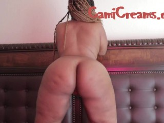 Behind the scenes with ebony booty jiggle on...