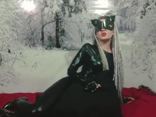 Cat-woman Fucks a pillow