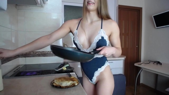 Mia cookes pancakes for the first time and shows tits 5