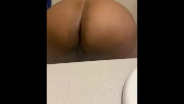 Fuck me from the back while I bounce my ass