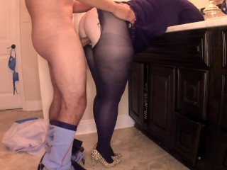 Shaved asian pussy stretch
