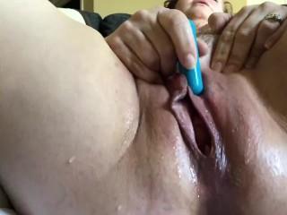 Masturbation play and squirt