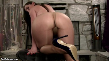 Pantyhose Farts in Shiny Blue Heels - Fart Princess Kristi Big Rippers in Tight Hose
