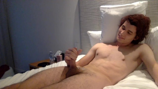 Hot twink jerks off on video call!