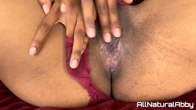 Solo Rubbing Pussy Orgasm