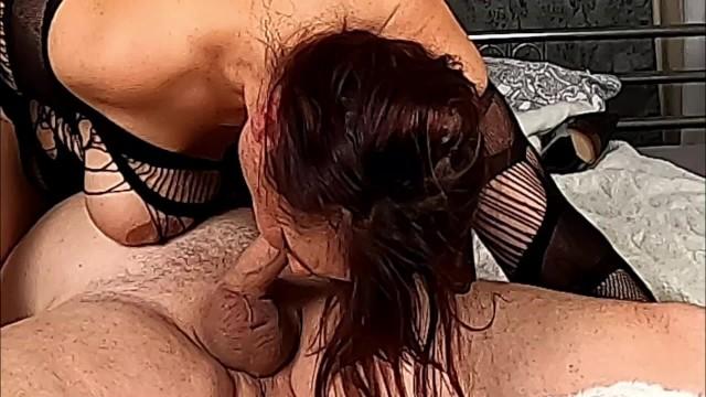 Cheating Wife schluckt Sperma
