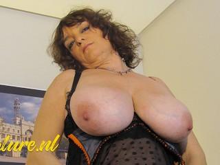 Huge tits latina has professional...