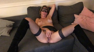 POV Hot French Amateur exposed and gets an oral creampie. Filmed on mobile. Boots and lingerie