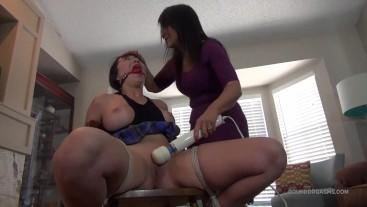 Broke College Girl Nyssa Nevers Meets Horny MILF Gigi