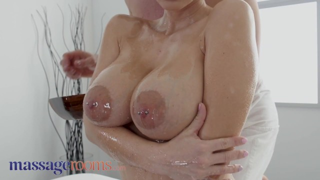 Massage Rooms Big Tits Blonde MILF Nathaly Cherie Served a (中出)creampie