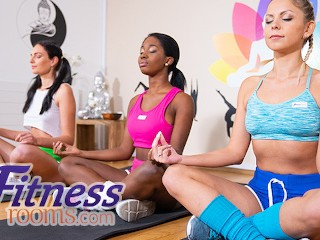 Fitness rooms amazing threesome after hot babes leanne...