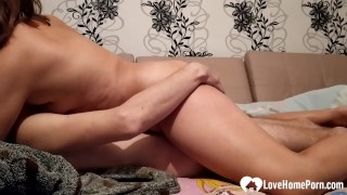 Friends mom gets shagged while hes away