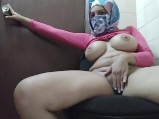 Hijabi Muslim Porn Videos - fuqqt.com