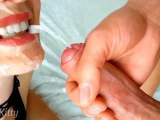 POURED CUM ON MY STEPSISTER'S FACE! SHE LOVES THE TASTE OF MY HOT CUM! PLAYSKITTY FACIAL