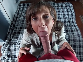Pleases thick cock...