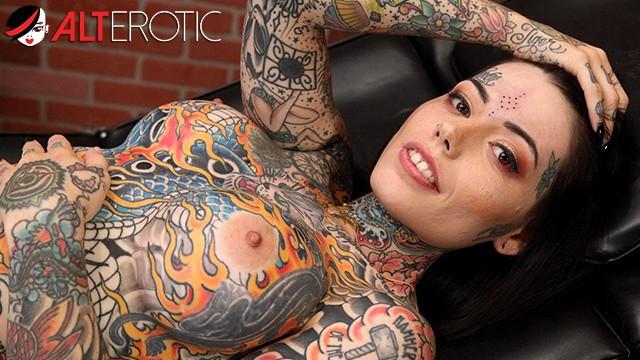 Naked woman tatoos