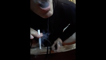 Strong final orgasm with cum @14:10 Smoker video. Fine smoking