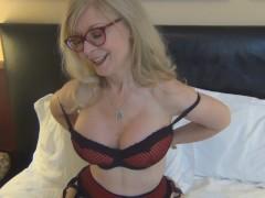 Banging MILF porn legend Nina Hartley