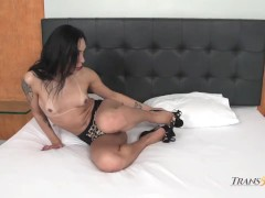 Hannah Rios Jerks off Her TS Cock