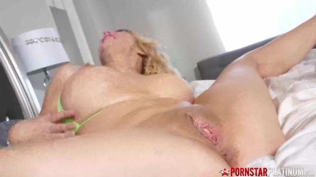 PORNSTARPLATINUM MILFs Andrea Grey and Lily Craven Hook Up Lesbian Fisting 5
