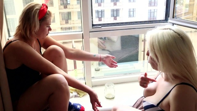 2 GIRLS SMOKING BEHIND THE SCENES IN SOCKS AND BITING TOENAILS 6