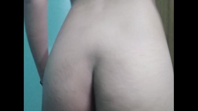 Ass shaking 1