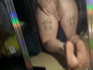 Deep throating pussy...