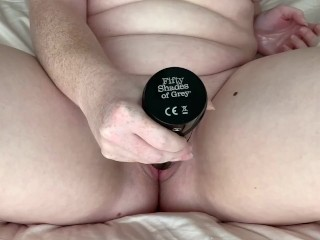 Drilling my pussy until I drench the bed