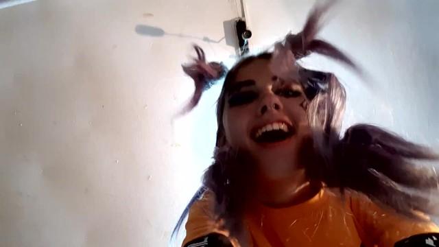 Решила подготовиться к Хеллоуину,но подготовку прервал неожиданный секс 12