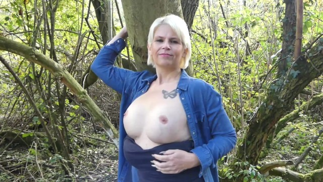 Outdoor Titty Flash 15