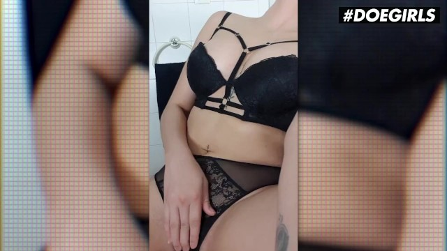 DoeGirls - Kitty Love Hot Venezuelan Teen Rubs Her Wet Pussy In The Bathroom 8