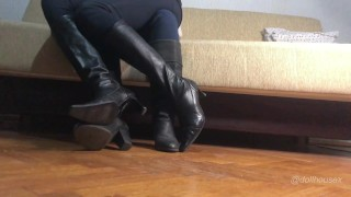 Knee High Leather Boots Lap Sitting Trailer