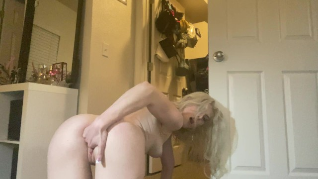 Joi- BIG ASS BLONDE WANTS TO CUM WITH YOU - JOI 15