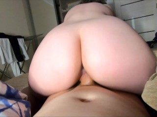 Amateur PAWG Has a Quick Fuck And Gets a Creampie