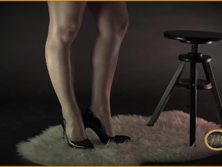 Mistress in high heels makes you sniff her sexy feet and orders you to saw your dick – Ely Mira