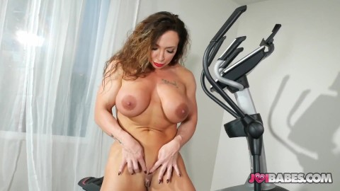 Muscle babe porn