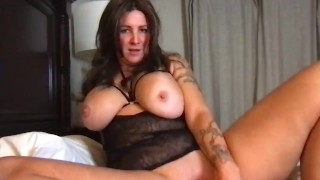 Sadie Rae uses vibrator for the first time and squirts.