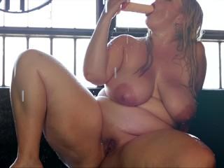 Mistress delicious sexy bbw striptease rain dildo doggy...