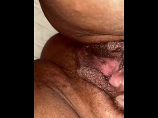 Farting and hairy phat pussy on bbw...