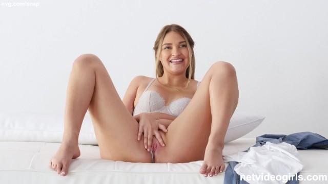 หนังXออนไลน์ สาวอเมริกาขี้เย็ด Kenzie Madison นั่งแหวกหีเกี่ยวเบ็ดให้น้ำเงี่ยนไหล ก่อนนอนเย็ดหีสด เปิดโรงแรมหรูเอาไว้เสียบหีสาวสวย เย็ดมิดหีน้ำเงี่ยนเปียกควย