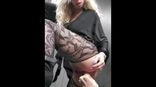 Littleangel84 - Sodomisée par un inconnu sur une aire d'autoroute - Défi 1
