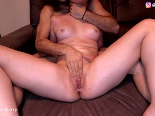 Fingering my girlfriend until she squirts amateur passionate...
