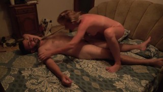 Wife loves to lick his body - amateur sex